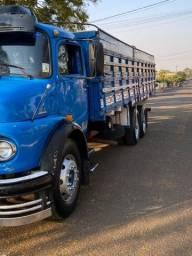 Caminhão MB1113 - Truck