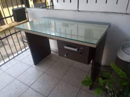Vendo Mesa Escritório c/ Tampo de Vidro de 8 mm