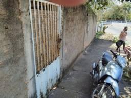 Vendo 1 casa no bairro zeca ribeiro