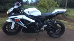 Srad750 Moto a toda prova.