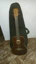 Ukulele kala (instrumento de cordas)