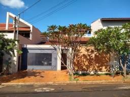 Sobrado com 3 dormitórios à venda, 280 m² por R$ 980.000,00 - Jardim Califórnia - Ribeirão