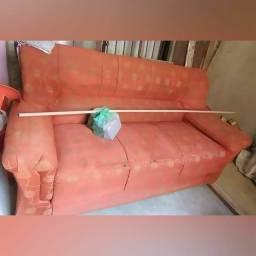 Dois sofás por 180,00
