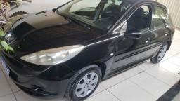 Vendo Peugeot 207 - Carro de mulher novinho