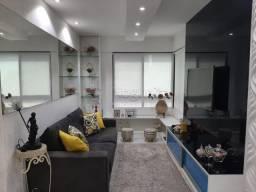 AR / Lindo apartamento com móveis fixos a 160 metros da paria de Candeias