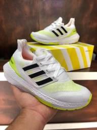 Tênis Adidas Ultraboost 21