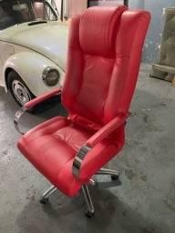 Cadeira presidente completa com ajuste de altura e encosto, pés e braços cromados