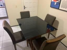 Mesa de 4 cadeiras marrom com vidro temperado preto