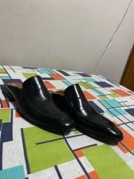 Sapato bico fino aberto nunca usado!!