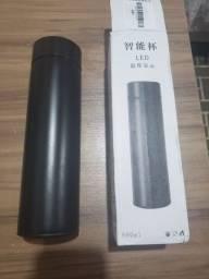 Garrafa termixa 500ml inox com display LED Nova
