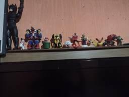 Vende-se esse coleção de bonecos