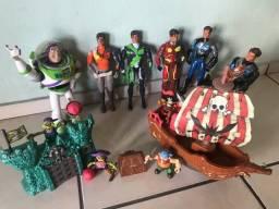 Brinquedos de meninos, completo (usados)
