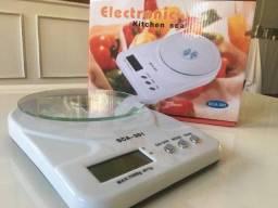 Balança Digital de Cozinha SCA-301 - 5 Kilos - (Seminova).