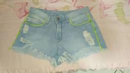 Short Jeans My Place com Detalhes Verdes