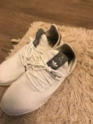 Tênis adidas - 40