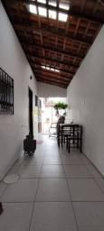 Casa com quinta, rua fechada, ampla perto da praia - F