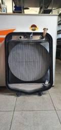 Radiador Mercedes 1113/ 1518 (em alumínio)