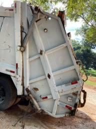 Compactador de lixo PLANALTO 2007