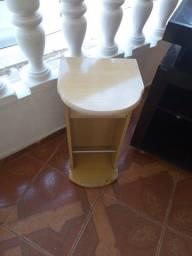Mesa para telefone amarela