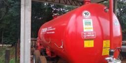 Distribuidor de desejos líquidos Triton Del 8000 litros