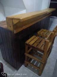 Balcão e Cadeiras