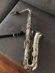 Vendo Saxofone galasso em dó