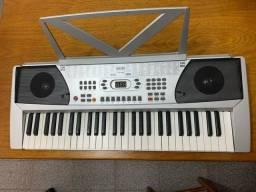 Desapegando teclado musical usado apenas 2 x