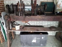 Torno de madeira R$850,00