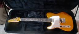 Guitarra Canhota Seizi com case + Amplificador Meteoro 50w + Pedaleira Zoom G2