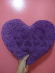 Almofada pelúcia coração