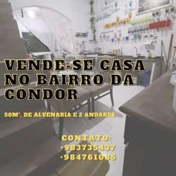 Vende-se uma casa no bairro da Condor