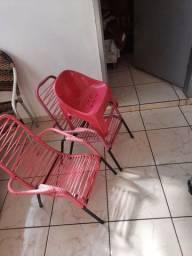 tres cadeiras de criança