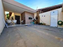 Casa com 3 dormitórios à venda, 95 m² por R$ 185.000 - Pedras - Itaitinga/CE