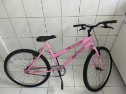 Bicicleta da Barbie aro 26 usada