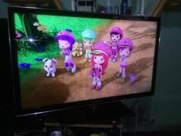TV de LED Samsung 40 polegadas canais todos em HD Super fininha