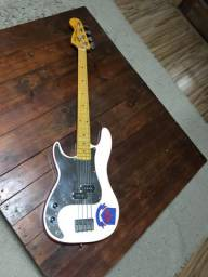 Fender Precision Bass Signature Stevie Harris (réplica canhoto)