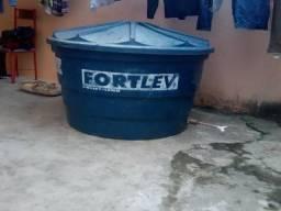 Caixa de agua 1000 litros usada 100 reais