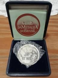Vende-se medalhas e moedas de prata e bronze da Casa da Moeda do Brasil