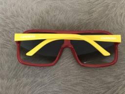bcd6258ef5b Vendo óculos Carrera original