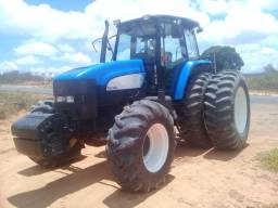 Trator New Holland 7040, ano 2013