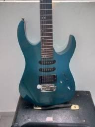 Guitarra e cubo