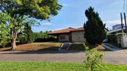 Casa térrea com terreno de 930m² no Cond. Terras de Santana
