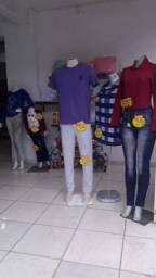 Instalação de loja de roupas
