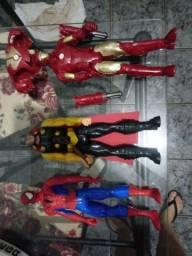 Vendo bonecos Marvel