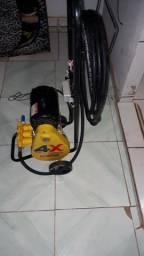Bomba de lavajato portátil semi nova um mês de uso só 2 mil