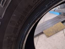 Pneu Hilux usado Bridgestone 265/70R16