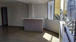 G - Apartamento com 4 quartos (amplo) - A duas quadras do mar!