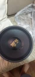Eros Target Bass 3k 15 sem uso, na caixa