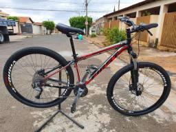 Bicicleta aro 29 First. Shimano Acera