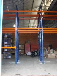 Porta-pallets orange blue